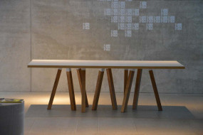 ARTWORK Tisch