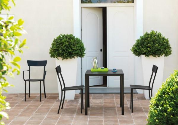 NEWTOWN Tisch schwarz 80 x 60 cm