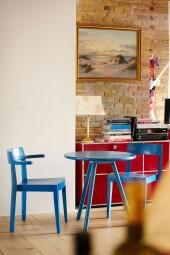 HAWELKA Stuhl mit Armlehne blau