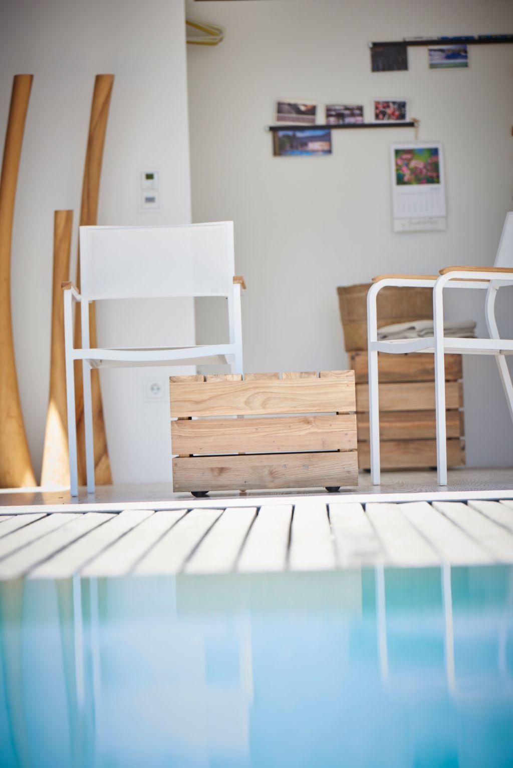 move beistelltisch von jan kurtz move aus recyceltem teak. Black Bedroom Furniture Sets. Home Design Ideas