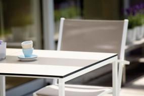 WHITE Tisch